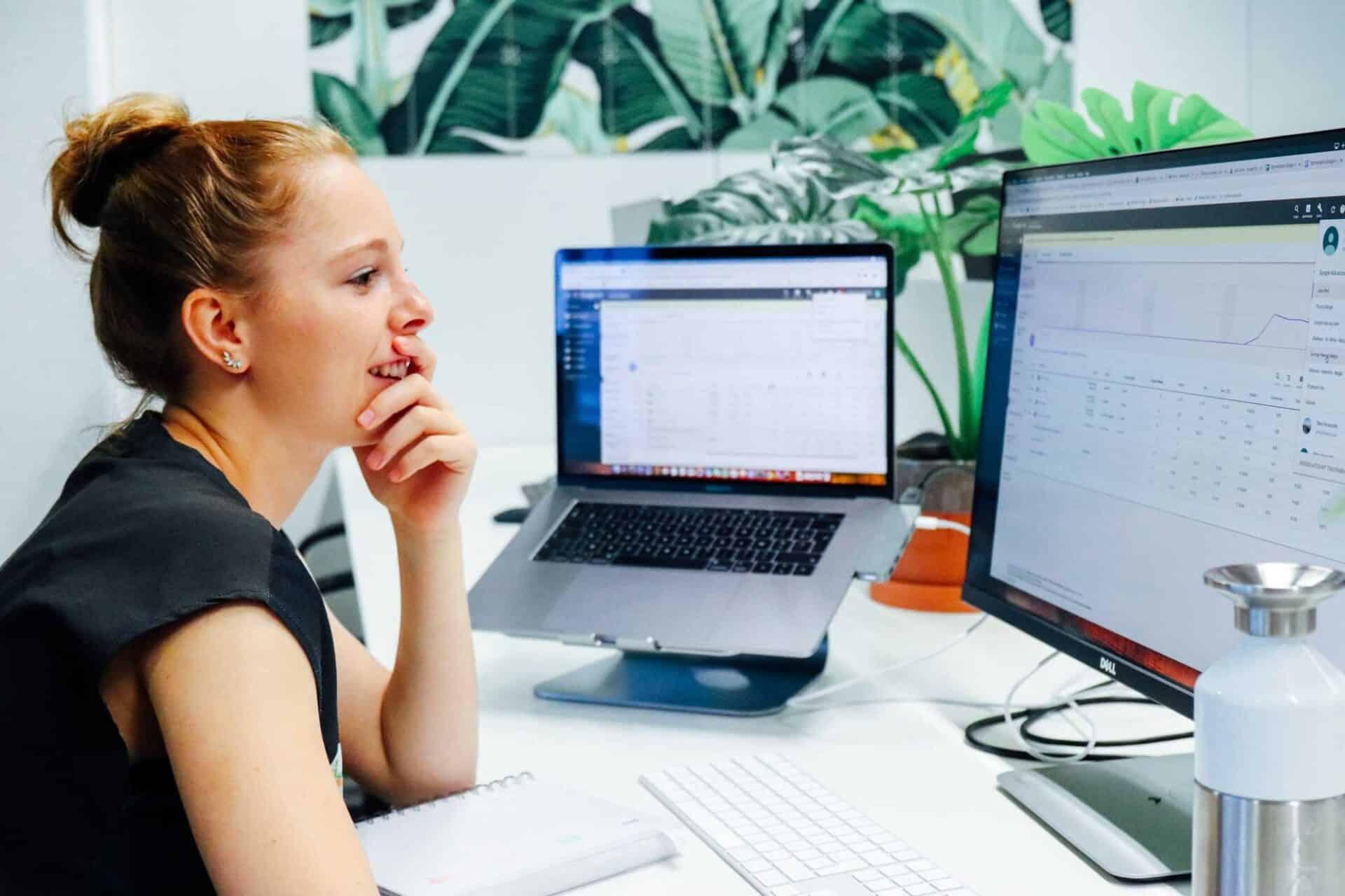 Online marketing uitbesteden aan een bureau: Kosten en voordelen